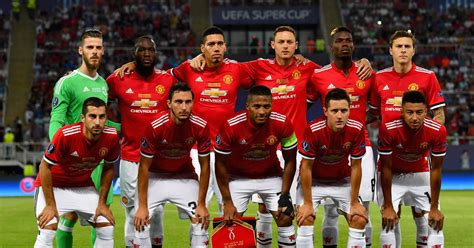 Manchester United reveal Champions League squad