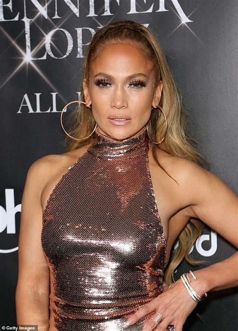 Jennifer Lopez sang to her ex-boyfriend Diddy during final